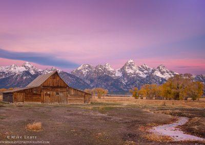 Mormon barn pink sunrisePS2